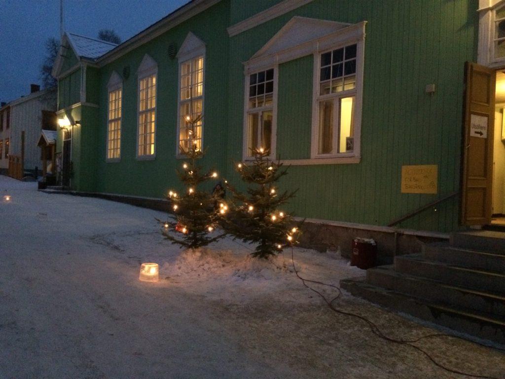 utenfor-sangerhuset-julemarked